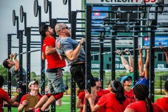 two men competing in CrossFit competition